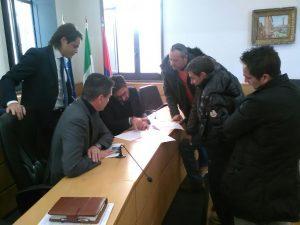i-cittadini-di-via-pantano-osservano-il-progetto-finanziato
